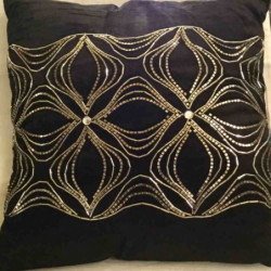 Coussin black roses